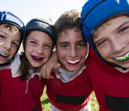 rugby-sport-contatto-urti-protezioni-sicurezza